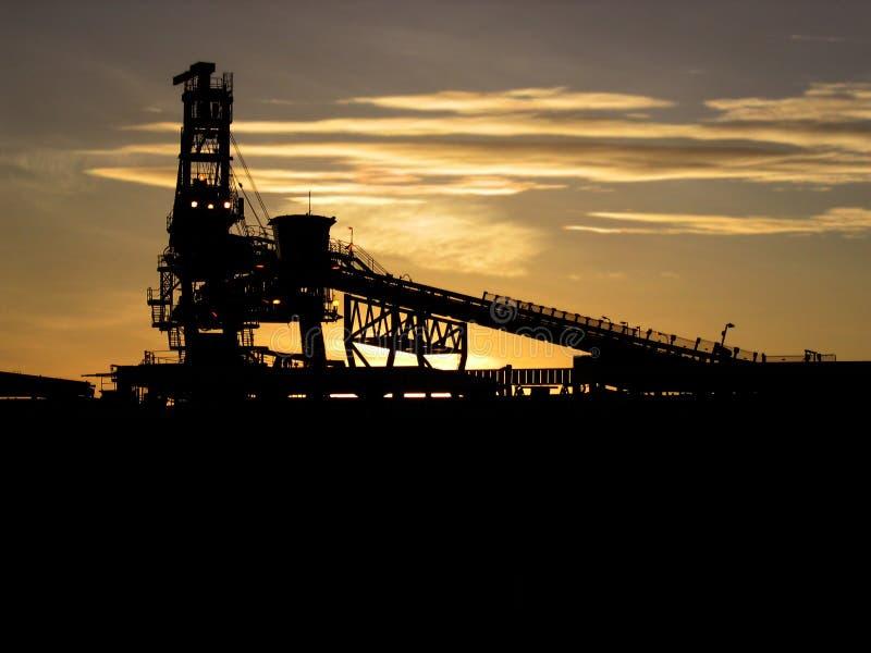 Eisenerz-Lieferungs-Ladevorrichtung lizenzfreies stockbild