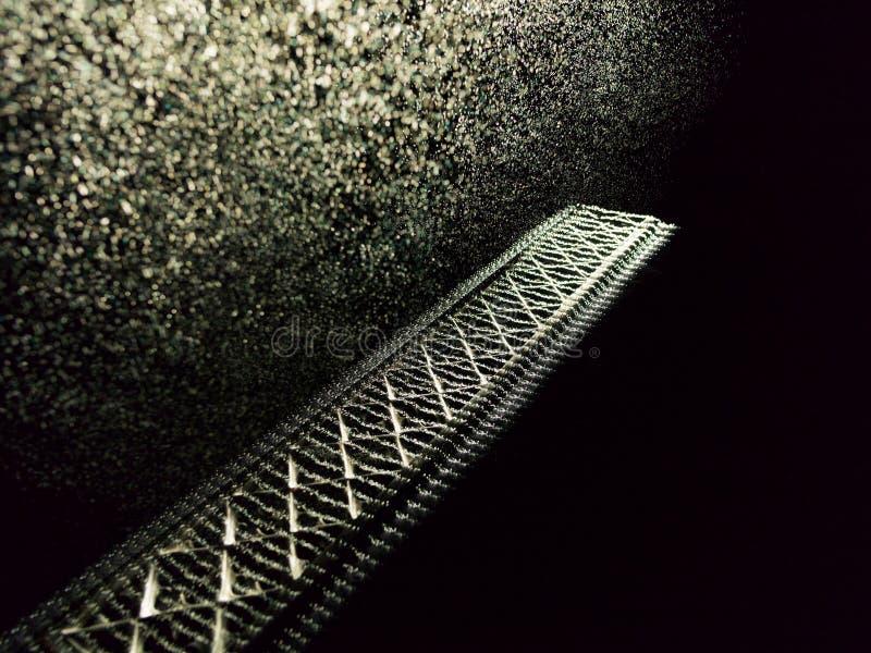Eisengitter unter Regen des Lichtes lizenzfreie stockbilder