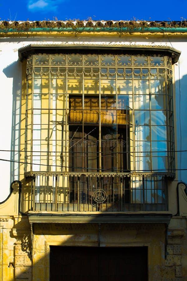 Eisenglasbalkon, Cordoba stockbild