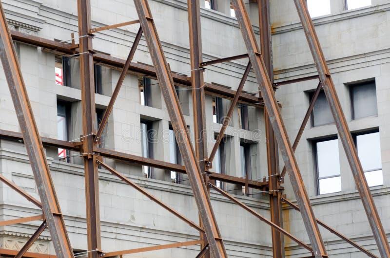 Eisenstrahlen, die wallsdemolition Standort an der Regierungsstraße erzwingen stockfotos