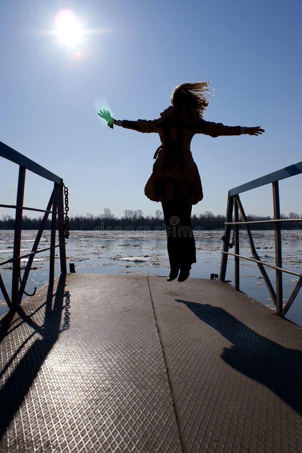 Eisgang flug Die Sonne landschaft schlag Kaltes Wasser lizenzfreie stockfotografie