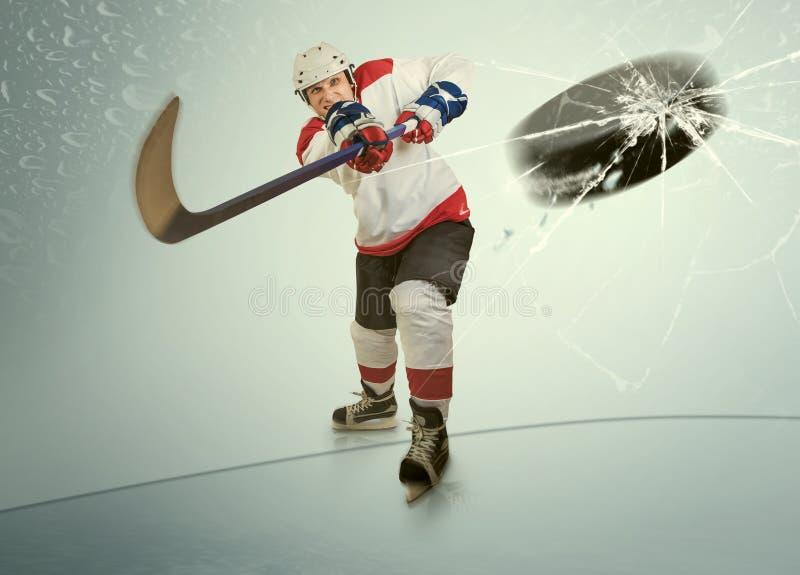 Eishockey-puck schlug die entgegengesetzte Maske stockbilder