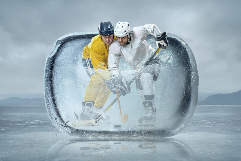 Eishockeyspieler stockbild