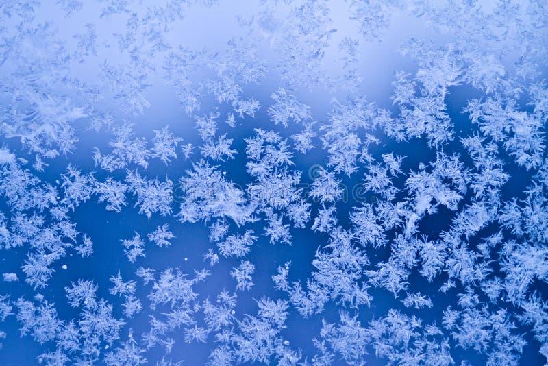 Eisiges Fenster stockfoto