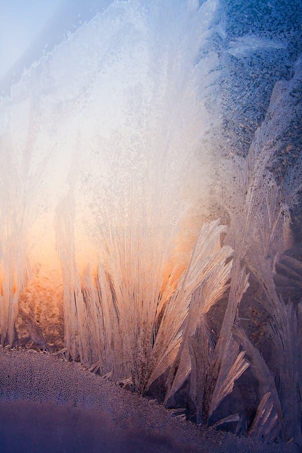 Eisiges natürliches Muster und Tageslicht stockfotografie