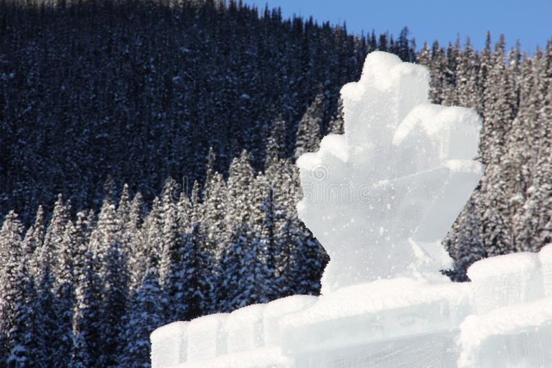 Eisschloss in kanadischen Rocky Mountains lizenzfreie stockfotografie