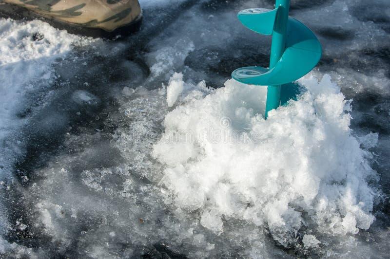 Eisschrauben für die Fischerei stockbilder