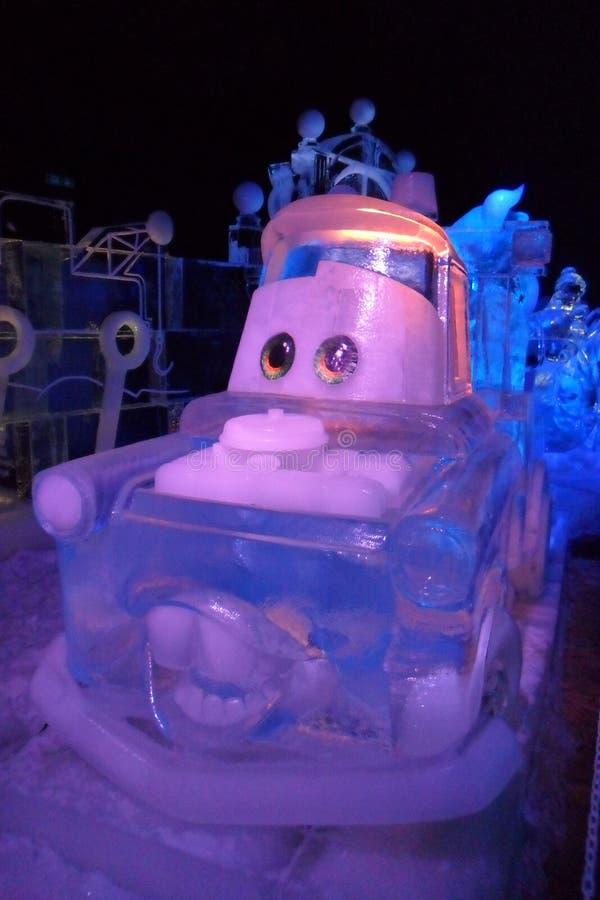Eisskulptur der Disney-Autokarikatur stockfotos
