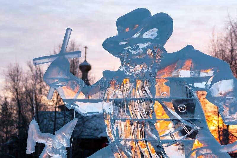 Eisskulpturpuppenspieler steuert die Marionette Karabas-Barabas stockbilder