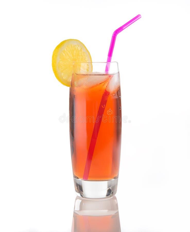 Eistee-Glas auf Weiß stockfoto