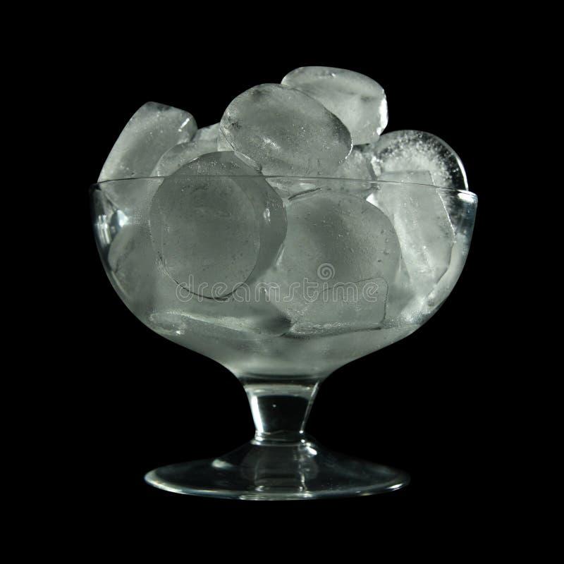 Eiswürfel im Glas stockbild