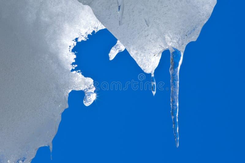Eiszapfen und Tageslicht stockbilder