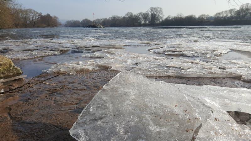 Eiszeit vinterTyskland Karlstein arkivfoton