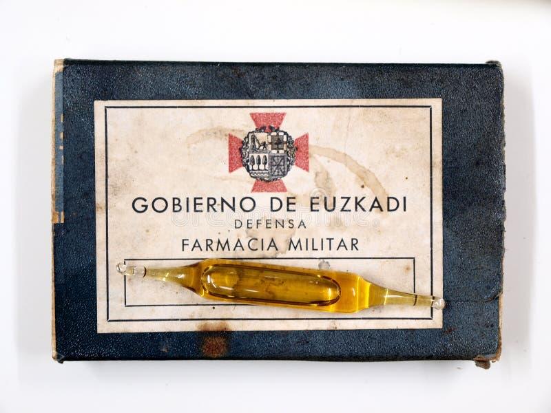 Ejército militar del vasco de la farmacia de la caja de la ampolla Guerra civil española fotografía de archivo
