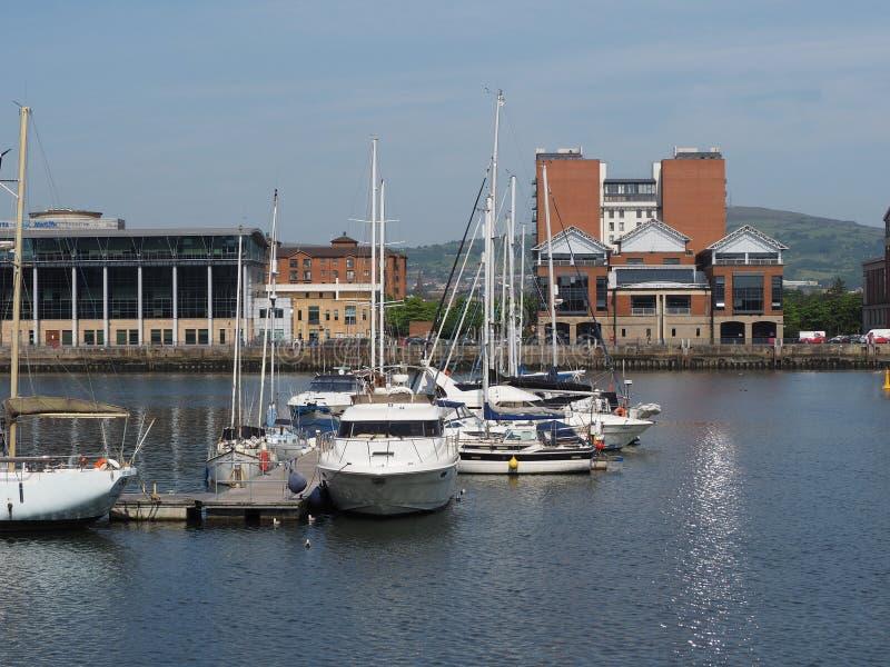 Eje marítimo del puerto de Belfast en Belfast imagenes de archivo