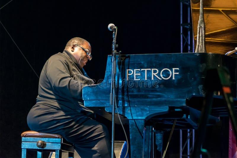 Ejecución de Cyrus Chestnut del pianista del jazz viva en Nisville Jazz Festival, el 11 de agosto 2016 fotos de archivo libres de regalías