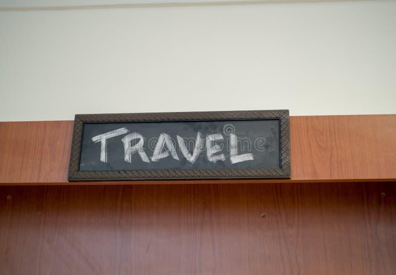 Ejecución de la muestra del viaje de la tiza en la librería foto de archivo libre de regalías