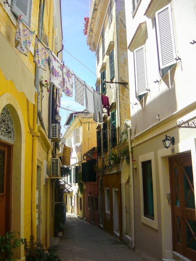 Ejecución del lavadero de Grecia constructiva amarilla fotos de archivo libres de regalías
