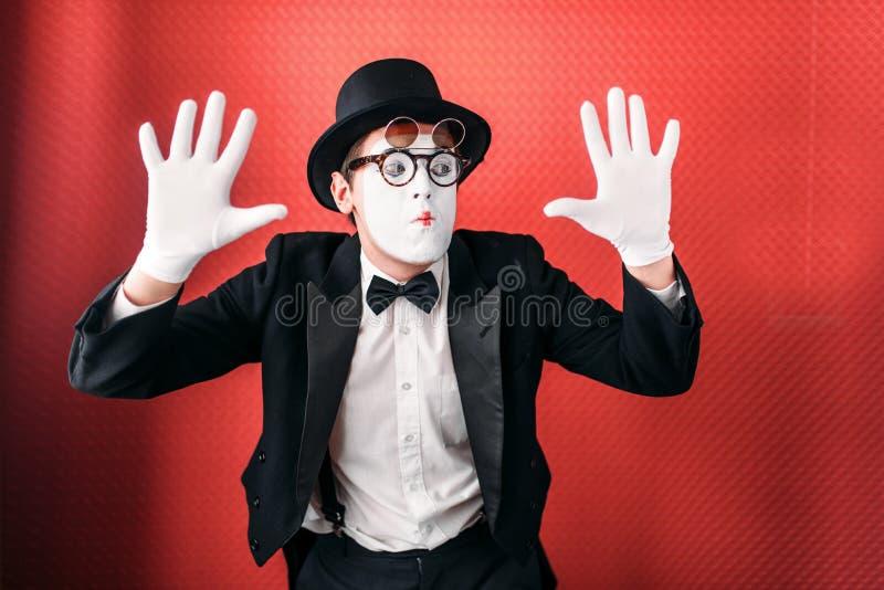 Ejecución masculina de la diversión del actor de la pantomima fotos de archivo