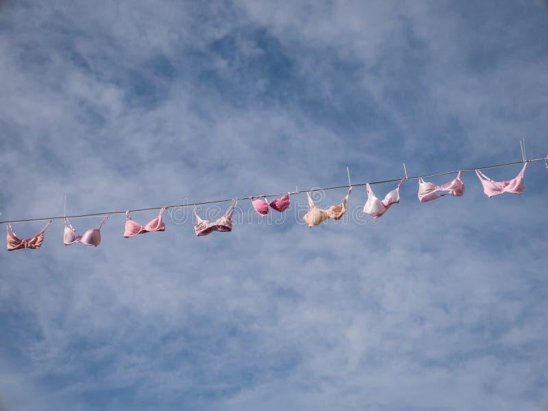 Ejecución rosada de la ropa interior de la secuencia imágenes de archivo libres de regalías