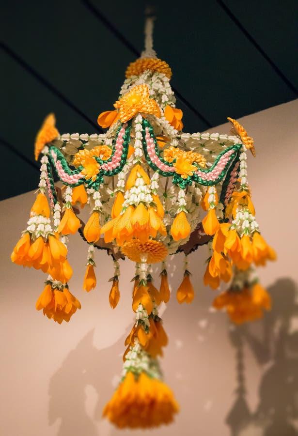 Ejecución tailandesa tradicional de la guirnalda de la flor fotografía de archivo libre de regalías