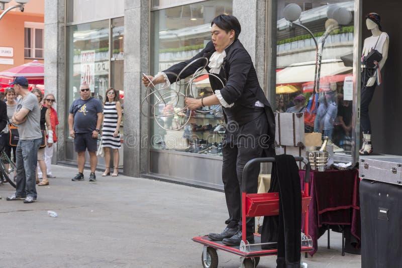 Ejecutante de la calle en Zagreb foto de archivo
