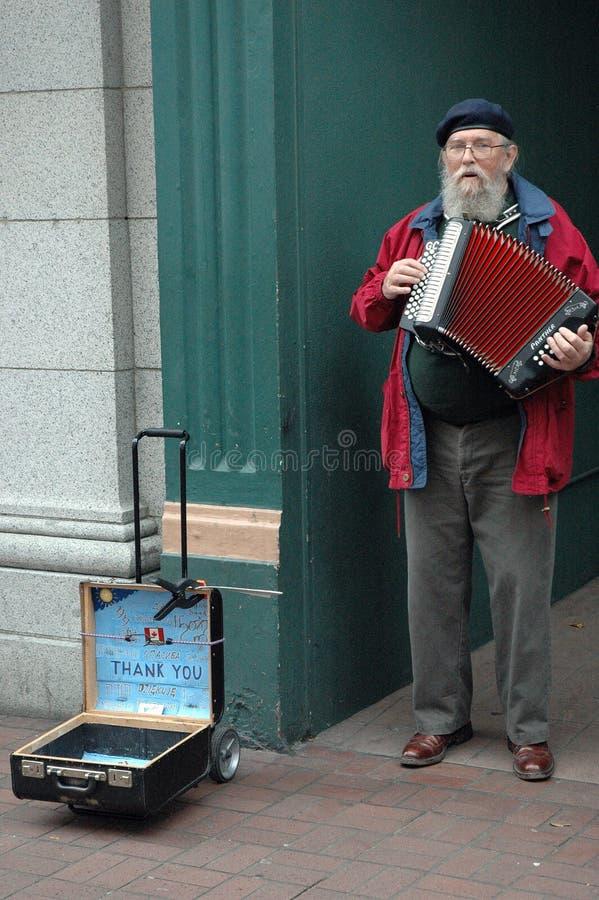 Ejecutante masculino de la calle mayor foto de archivo libre de regalías