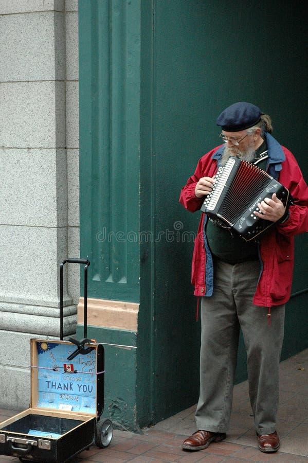 Ejecutante masculino de la calle mayor fotografía de archivo libre de regalías