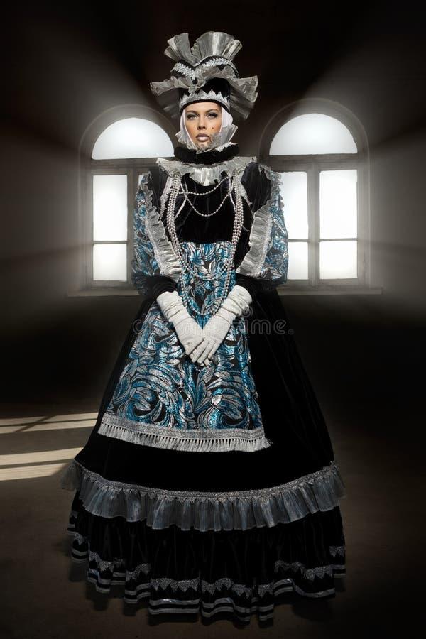 Ejecutantes en el traje veneciano fotos de archivo