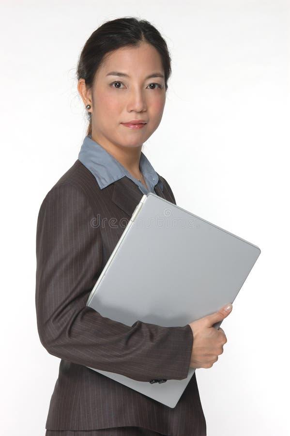 Ejecutivo de operaciones asiático de sexo femenino imagen de archivo libre de regalías