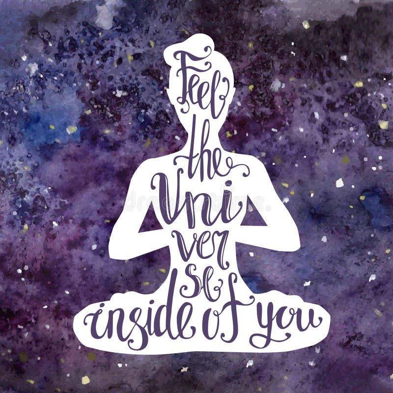 Ejemplo de la yoga con las letras La silueta femenina con textura violeta brillante del espacio de la acuarela y la frase manuscr stock de ilustración
