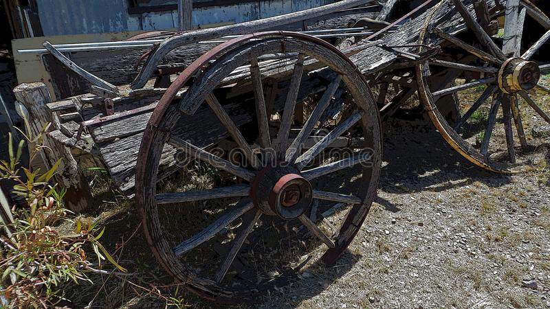 Ejemplo de un carro del vintage del viejo sudoeste stock de ilustración