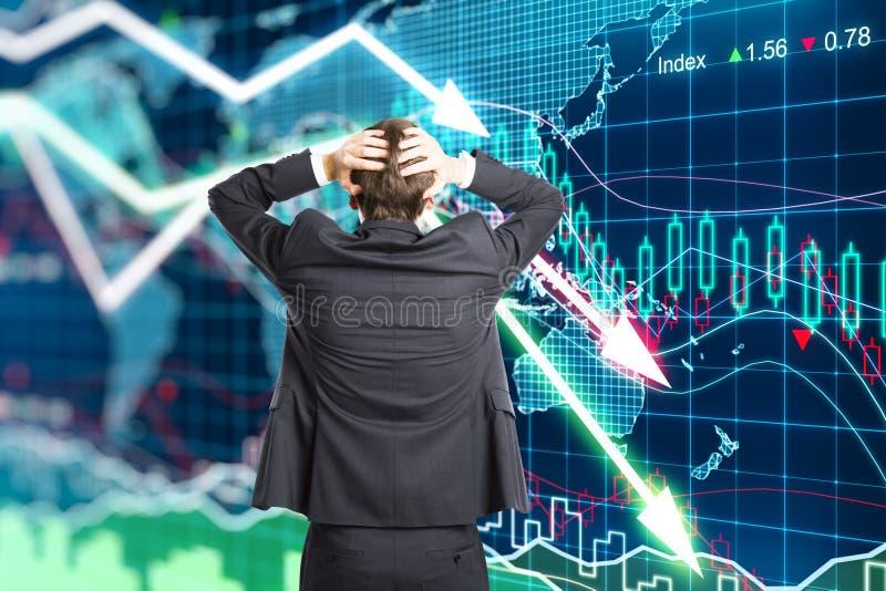 Ejemplo del concepto de la crisis con un hombre de negocios en pánico foto de archivo libre de regalías