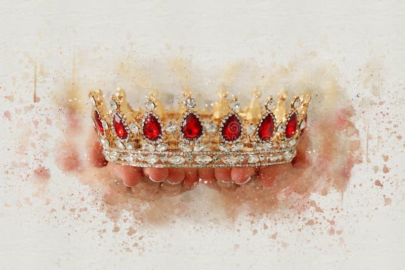 ejemplo del extracto del estilo de la acuarela de la señora que celebra la corona del oro período medieval de la fantasía foto de archivo libre de regalías