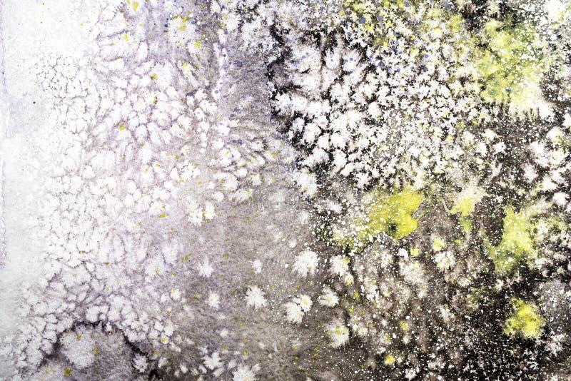 Ejemplo pintado a mano de la acuarela abstracta Las manchas blancas /negras coloridas texturizan el fondo imagen de archivo