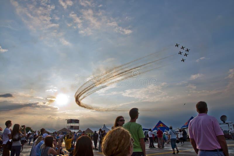 Ejercicio aeroacrobacia, PREJUICIO Bucarest de Airshow 2015 imágenes de archivo libres de regalías