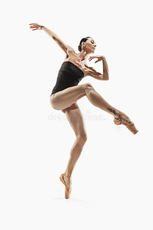 Ejercicio de la mujer de la aptitud de los aeróbicos aislado en cuerpo completo imagen de archivo libre de regalías