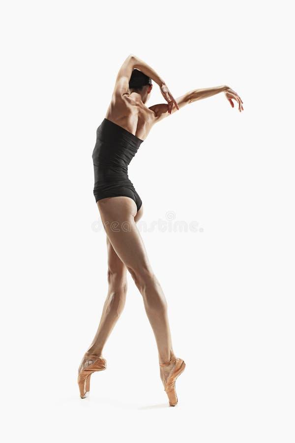 Ejercicio de la mujer de la aptitud de los aeróbicos aislado en cuerpo completo fotografía de archivo
