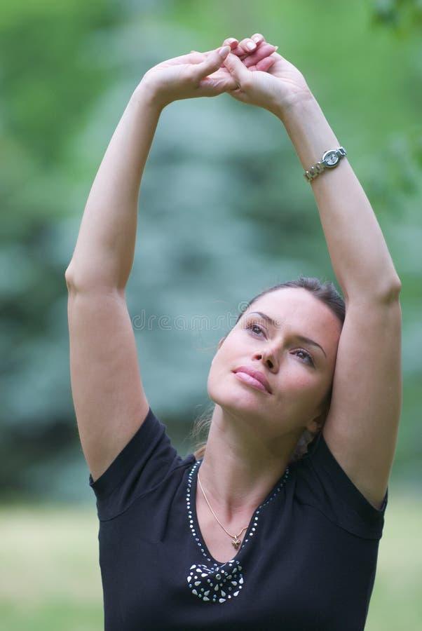 Ejercicio recreacional de la yoga imagen de archivo libre de regalías