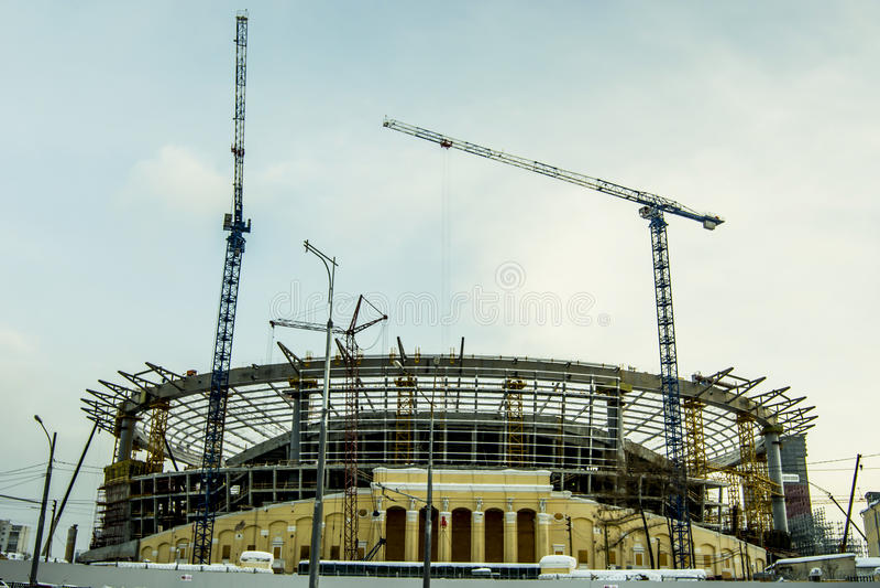 Ekaterinburg La construcción de un nuevo estadio para el fútbol de 2018 mundiales imagen de archivo