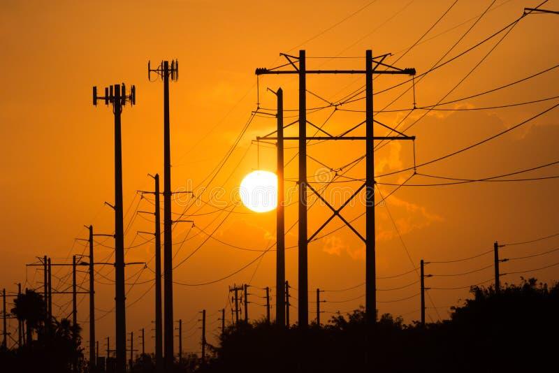 Eklektische Stromleitungen lizenzfreies stockfoto