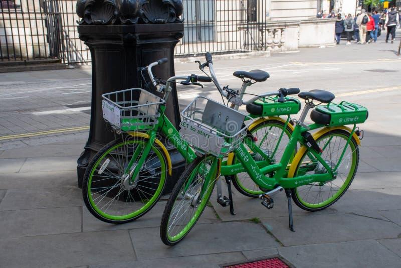 Ekologicznie życzliwy wapno jechać na rowerze London fotografia stock