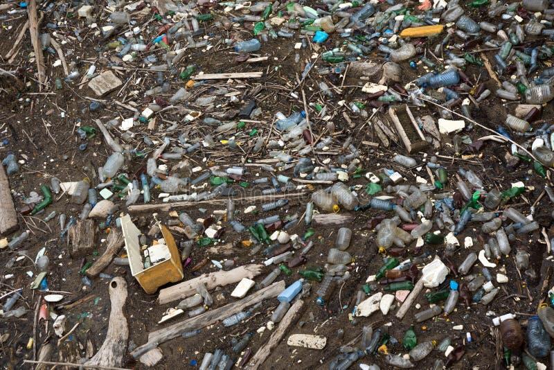 Ekologiczny zanieczyszczenie wodni bodies obraz stock