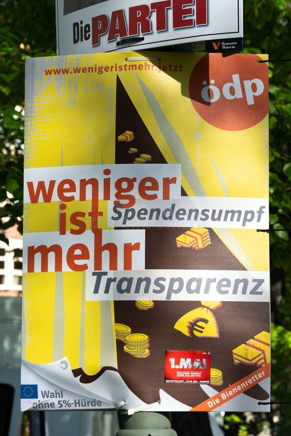 Ekologisk demokratiska partietpolitisk kampanjaffisch royaltyfri foto