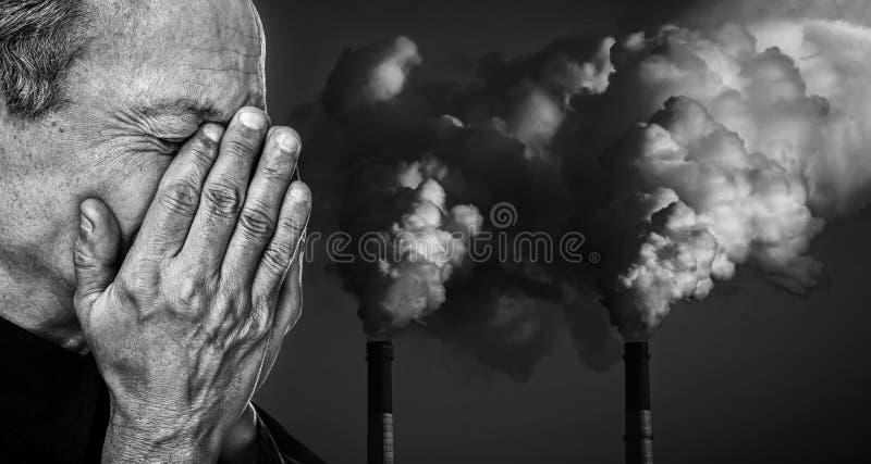 ekologiskt begrepp Förorena en atmosfär royaltyfria bilder