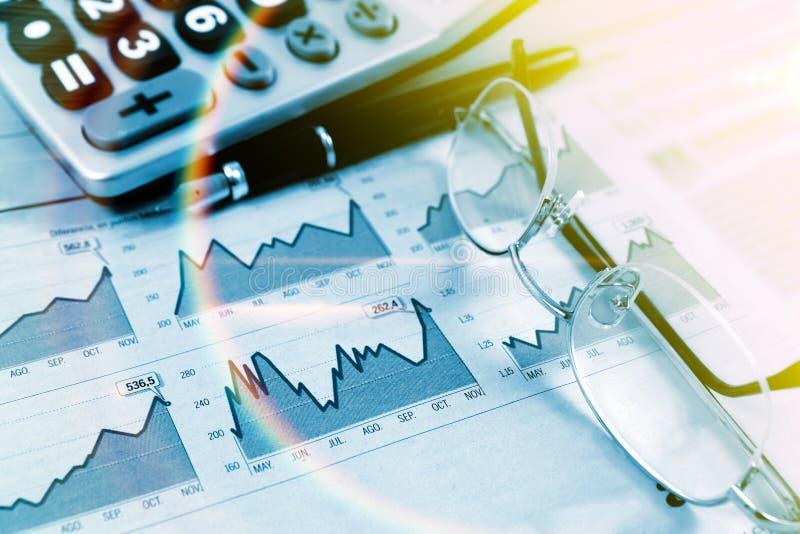 Ekonomi och finansiell bakgrund arkivbild