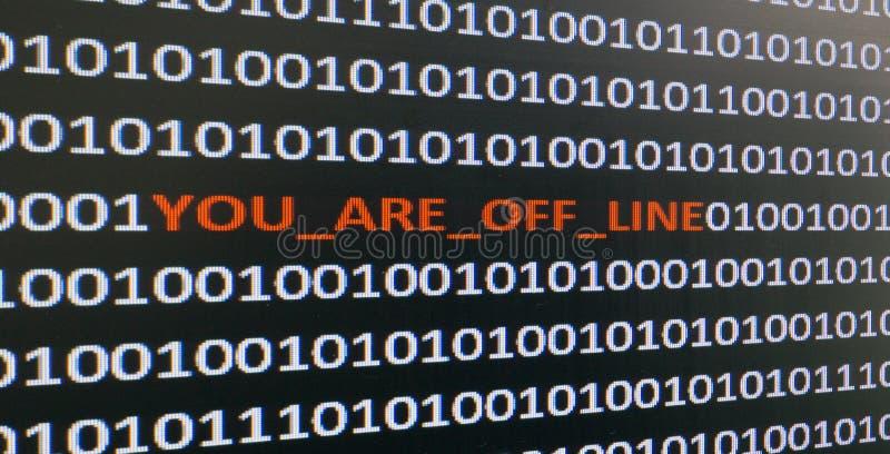 Ekran komputerowy strzelał z binarnym kodem, ostrzegawczym tekst, pojęcie dla komputeru, technologia i online ochrona, obrazy royalty free