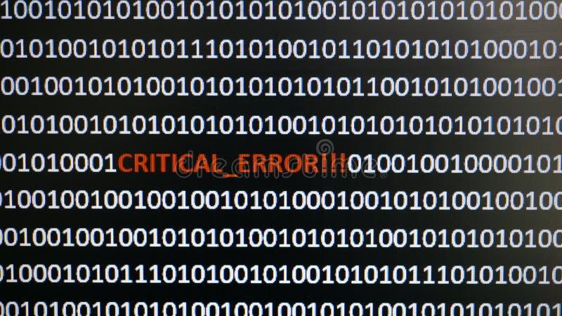 Ekran komputerowy strzelał z binarnym kodem, ostrzegawczym tekst, pojęcie dla komputeru, technologia i online ochrona, obrazy stock
