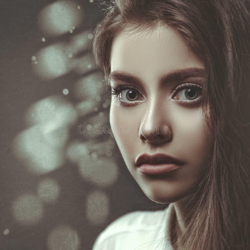 Ekranowy noir, piękno kobiety portret zdjęcie royalty free