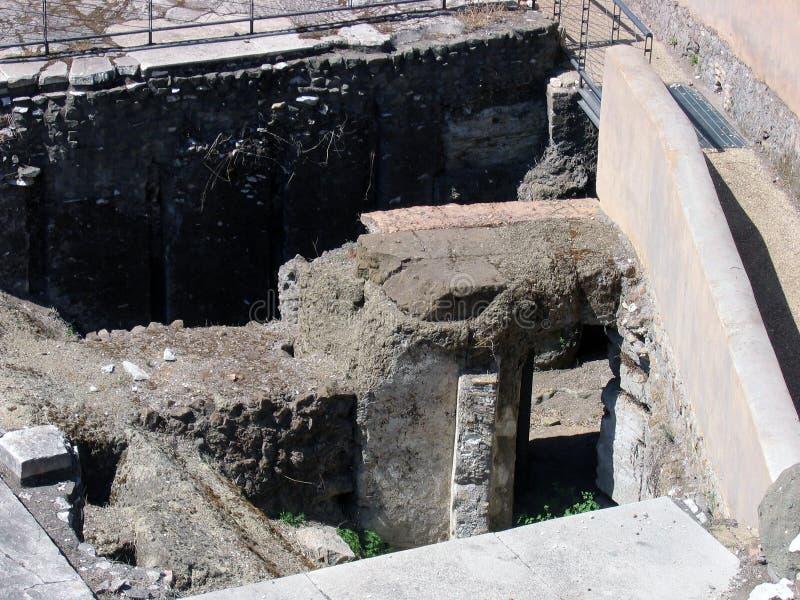 Ekskawacje na miejscu antyczny Romański forum kulturalna warstwa obrazy stock